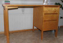 Kirjoituspöytä Kultatupa.